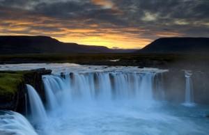 Dettifoss-en-Islandia-el-salto-de-agua-mas-grande-en-europa